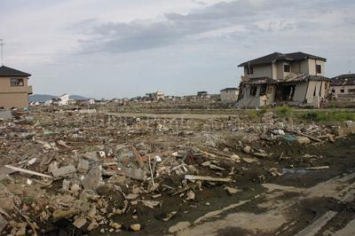 東日本大震災の津波で壊滅した石...